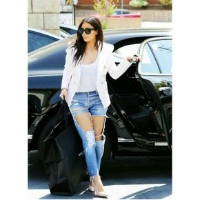 Ripped Boyfriend Jeans (Kim.KLook)