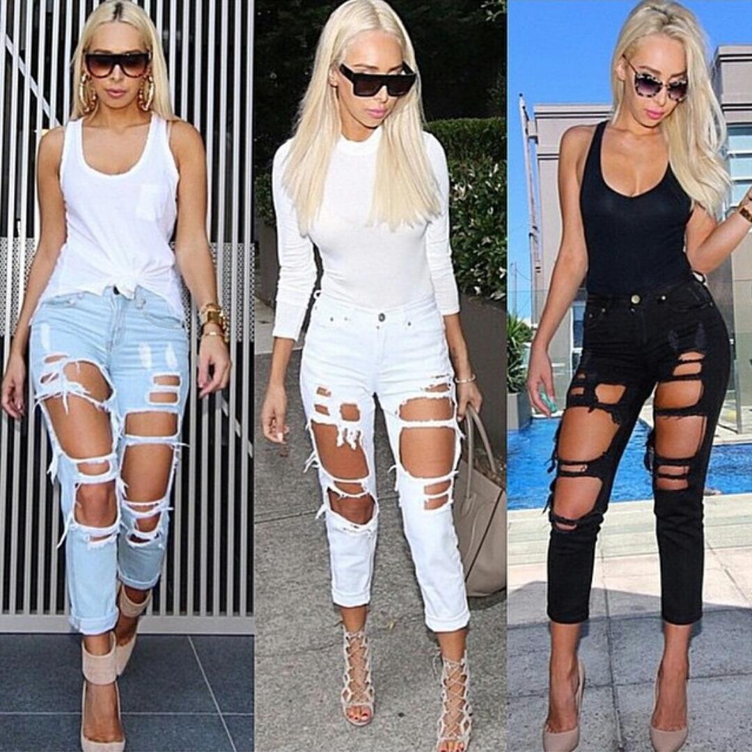Kim kardashian black ripped jeans